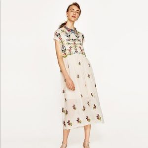 NWT ZARA PLUMETIS FLORAL EMBROIDERED DRESS